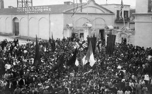 DUS (1918) CELEBRANT LA PAU A CAN MARIO.